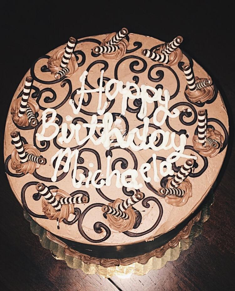 Birthday Table Acnl: Roses & Mimosas